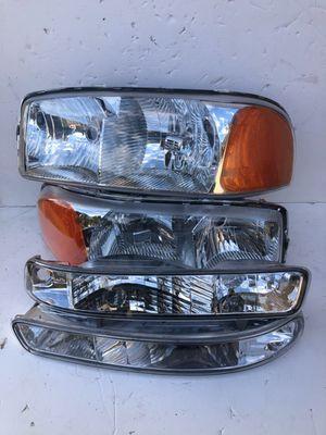 1999-2006 Sierra Headlights + Bumper Lights for Sale in Pomona, CA