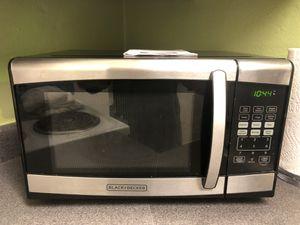 Black + Decker Microwave for Sale in Austin, TX