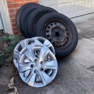 Stock Wheels And Tires Off A 2016 Hyundai Elantra for Sale in Matthews, NC