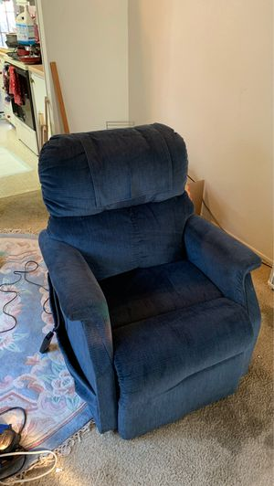 Lift / Recliner chair for Sale in Sacramento, CA
