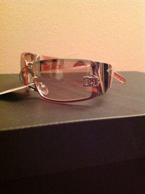Sunglasses for woman for Sale in Renton, WA