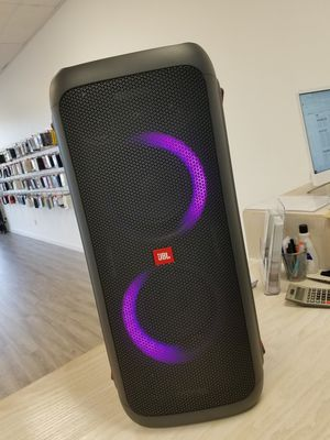 JBL PARTY BOX 300 SPEAKER AMAZING SOUND for Sale in Renton, WA