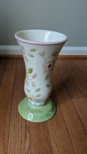 Flower vase for Sale in Odenton, MD