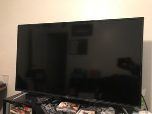 50 inch TCL roku TV for Sale in Fresno, CA