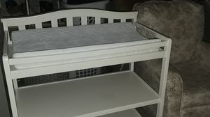 Infant changing table and rocking chair for Sale in Phoenix, AZ