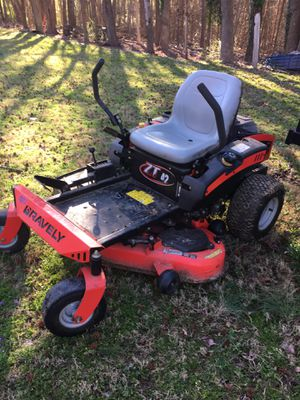 """Gravely 42"""" zero turn mower and Kaufmann trailer for Sale in Asheboro, NC"""