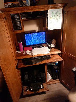 COMPUTER DESK OAK for Sale in Fresno, CA