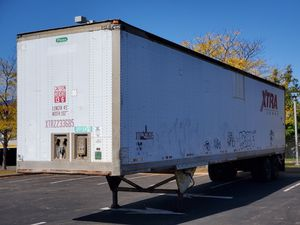 Trailer 1995 53 feet used condition for Sale in Brooklyn, NY