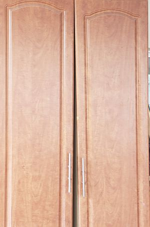 Dining Kitchen cabinet/Pantry for Sale in Miami Gardens, FL