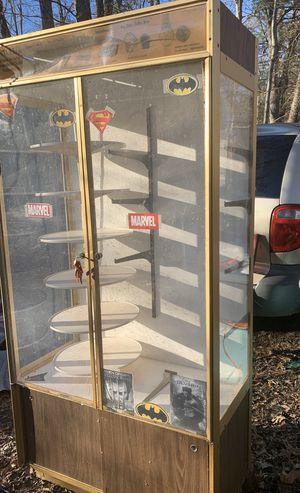 6 foot tall display case for Sale in Grottoes, VA