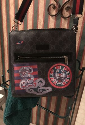 Gucci messenger bag for Sale in Franklin, TN
