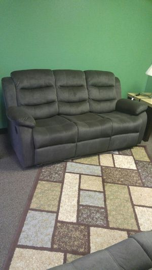 BEAUTIFUL BRAND NEW RECLINING 3PCS SET for Sale in Portland, OR