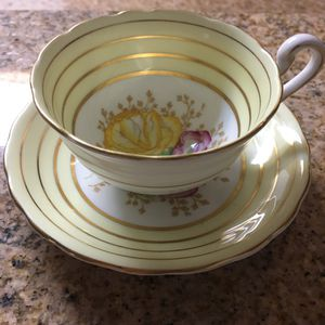 Victoria Tea Cup and Saucer C&E Bone China England for Sale in Las Vegas, NV