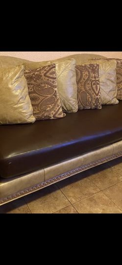 Used Leather Sofa, Loveseat with Coffee table and 2 end tables (2 Lamps included)! for Sale in The Bronx,  NY