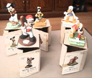 5 vintage UCGC Disney gift-ware figures with boxes im in fontana message only when ready to pick up firm for Sale in Fontana, CA