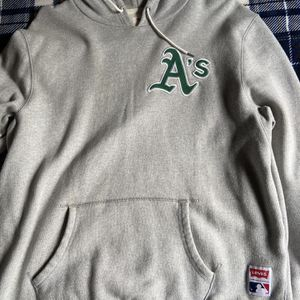 Levis Oakland A's Sweater L for Sale in Union City, CA