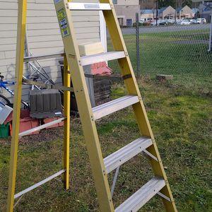 Werner 8 Ft Fiberglass Ladder - 300lb Rating for Sale in Renton, WA