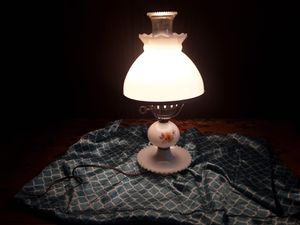 Antique table lamp for Sale in Anderson, CA