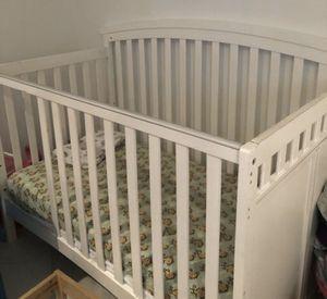 Baby Crib No Matress for Sale in Miami Beach, FL