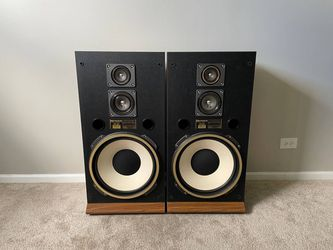 Fisher STV-887 3 Way Home Floor Standing Speakers  for Sale in Mount Prospect, IL