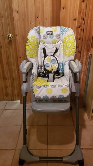 Chicco high chair for Sale in Damascus, MD