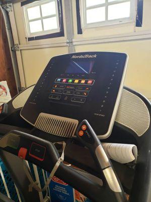 NordicTrack c900 pro treadmill for Sale in Laguna Hills, CA