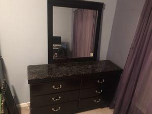 Bedroom Set-2 drawer nightstand and dresser for Sale in Ashburn, VA