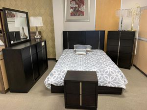 Evenson Brownish Gray Platform Bedroom Set [FREE CHEST] FREE DELIVERY for Sale in Austin, TX