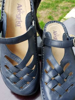 Alegria Womens Freesia Sandals FRE-622 Leather Navy Sz 37 US 7 for Sale in Everett,  WA