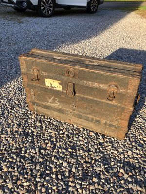Vintage trunk for Sale in S CHESTERFLD, VA