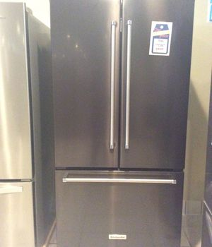 New open box kitchen aid black stainless steel refrigerator KRFC302EBS for Sale in Redondo Beach, CA