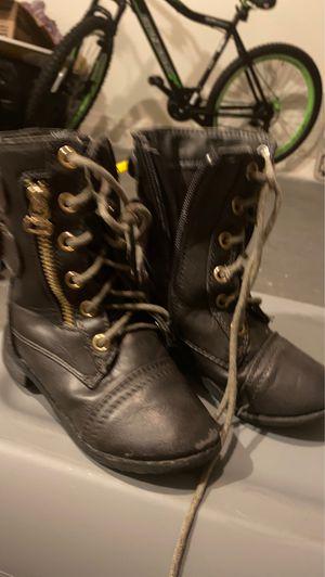 Girls winter boots for Sale in Phoenix, AZ