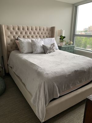 ZGallerie Roberto Bed Queen for Sale in Denver, CO
