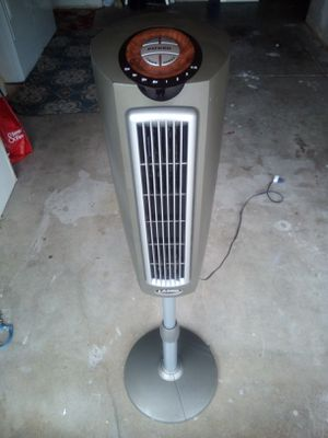 Lasko 52 ENERGY EFFICIENT Oscillating Tower Fan with Built-In Timer and 3 Speeds for Sale in Trabuco Canyon, CA