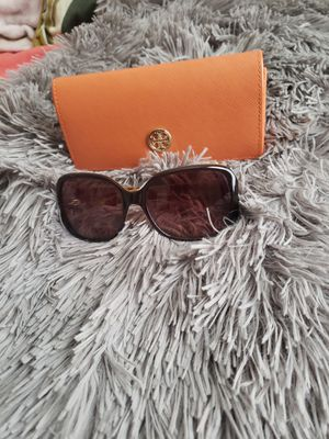 Tory Burch Sunglasse and Case for Sale in Haysville, KS