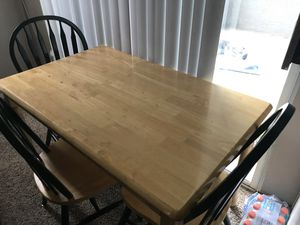 Dining Table + 5 chairs for Sale in Glendale, AZ