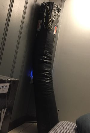 Title pro punching bag for Sale in Elmwood Park, IL