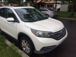 214 Honda CRV, excellent condition, backup camera, low miles for Sale in Miami, FL