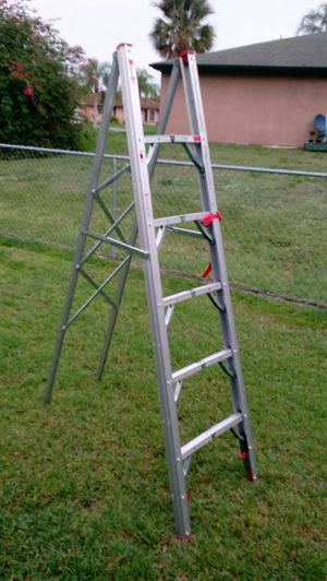 6' FOLDING STEP LADDER for Sale in PT CHARLOTTE, FL