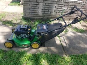 John Deere self propelled lawn mower for Sale in Houston, TX