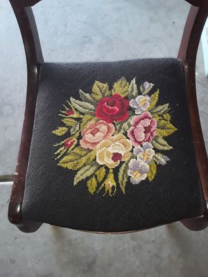 Antique chair for Sale in Henderson, NV