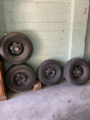 Stock rims (5) 1991 Jeep. Tires included. for Sale in Norwalk, CA