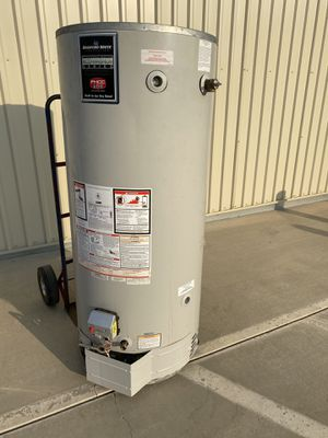 75 gallons water heater for Sale in Perris, CA