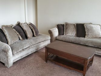 2 Piece Couch With Pillows, Short Side Is 6 Ft Long And Long Side Is 7ft for Sale in Magnolia,  TX