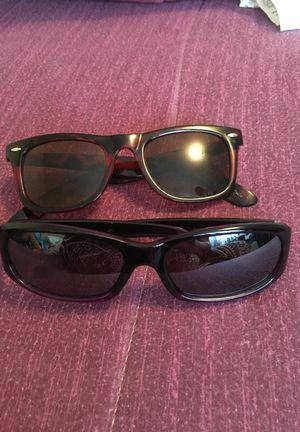 2 pair sunglasses for Sale in El Paso, TX