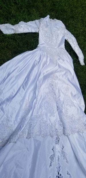 Modest vintage wedding dress for Sale in Silver Spring, MD