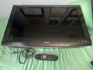 Sharp Aquos TV Like New 32 inches for Sale in Miami, FL