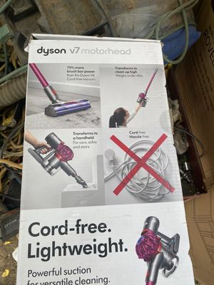 Dyson v7 for Sale in Palmdale, CA