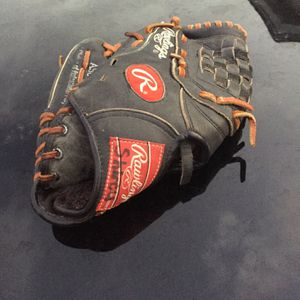 Right Handed Baseball Glove for Sale in San Antonio, TX