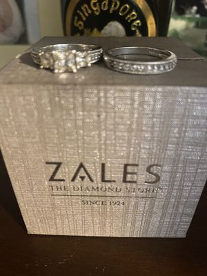 Zales 2 piece wedding bands brand new for Sale in Willis, TX
